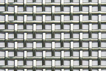 Crimped wire mesh with round wire made of stainless steel.